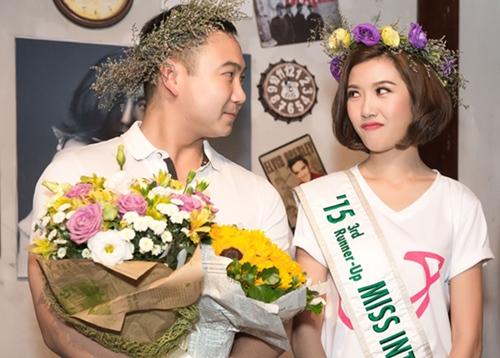 ban trai dai gia cua a hau thuy van lan dau lo dien truoc cong chung - 7