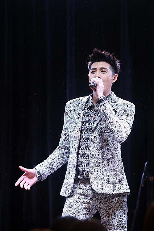 """fan nuoc ngoai cung """"ban loan"""" vi noo phuoc thinh - 6"""