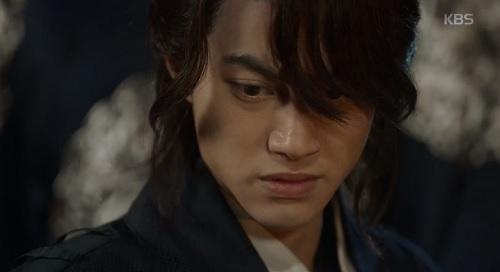 may hoa anh trang tap 16: co ai ngo, kim yoo jung lai thoat chet bang cach nay - 9