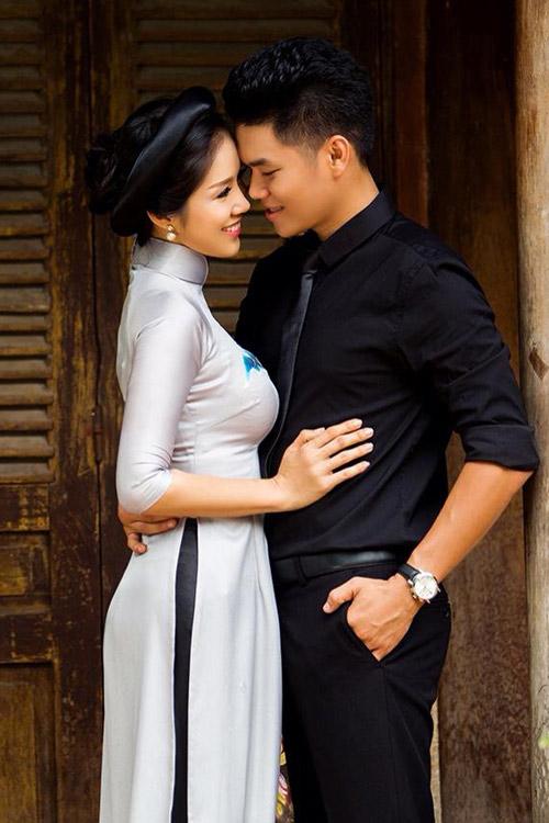 2 sao viet sau ly hon tim duoc hanh phuc ben ban trai kem tuoi - 4