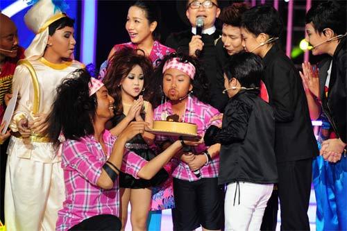 """tv show: viet huong muon lam """"thiep"""" cua mr dam; truong giang """"tranh thu"""" ninh nha phuong - 13"""