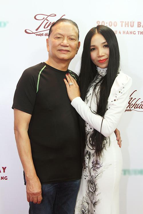 """""""nu hoang phong tra"""" quynh lan duoc chong cham soc tung chut mot - 3"""