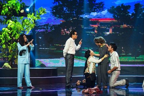 "chung ket lang hai mo hoi: giam khao tram tro ma xuc dong vi ""xom ngheo that thu"" - 14"