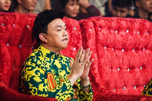 "chung ket lang hai mo hoi: giam khao tram tro ma xuc dong vi ""xom ngheo that thu"" - 3"