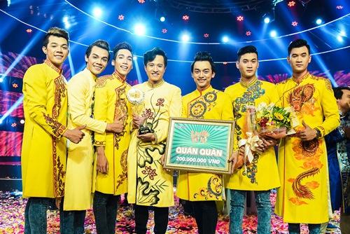 "chung ket lang hai mo hoi: giam khao tram tro ma xuc dong vi ""xom ngheo that thu"" - 11"