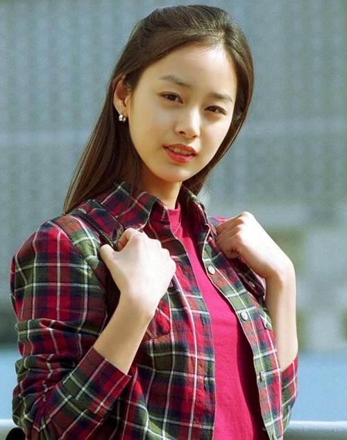 "hinh anh ""co mot khong hai"" kim tae hee ""dep khong goc chet"" thoi sinh vien - 4"