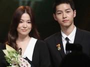 Làng sao - Ngôi sao 24/7: Song Hye Kyo tăng cân, già nua khi đứng cạnh Song Joong Ki