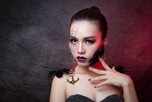 hoc tro dam vinh hung ma mi don halloween - 1