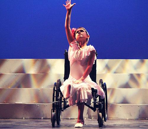co gai ung thu tro thanh vu cong ballet du chi co 1 chan khien trieu nguoi ne phuc - 5