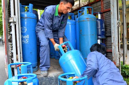 gia gas tang 19.000 dong/binh 12 kg - 1