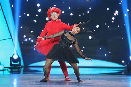 tv show: hoc tro dong nhi dang quang thuyet phuc; thi sinh ra ve vi... xin do an cua ban - 11
