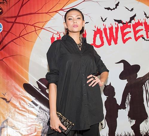 vo hoang yen, khanh ngan the face cuong nhiet dem halloween - 1