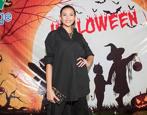 vo hoang yen, khanh ngan the face cuong nhiet dem halloween - 2