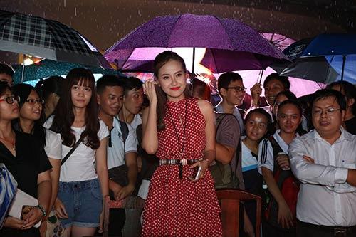 vo hoang yen, khanh ngan the face cuong nhiet dem halloween - 5