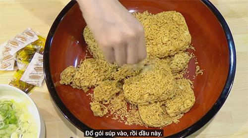 """""""my nhan pham an"""" so 1 nhat ban gay xon xao voi clip an 5kg mi an lien viet nam - 5"""