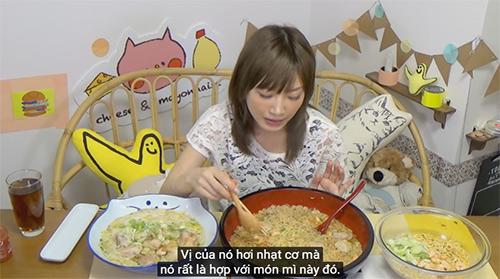 """""""my nhan pham an"""" so 1 nhat ban gay xon xao voi clip an 5kg mi an lien viet nam - 7"""