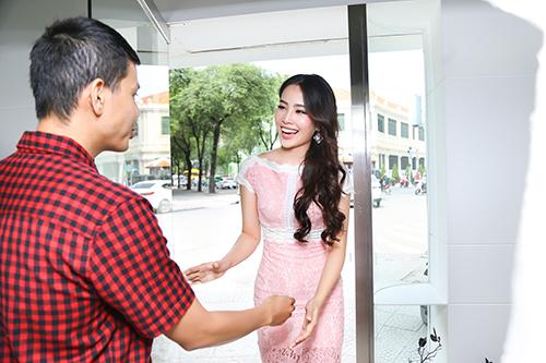 "nam em chay show ""khong kip tho"" sau hoa hau trai dat - 1"