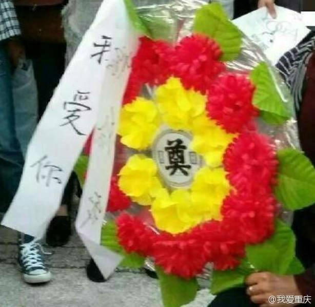 mang vong hoa di cau hon ban gai, chang trai nhan cai ket dau long - 7