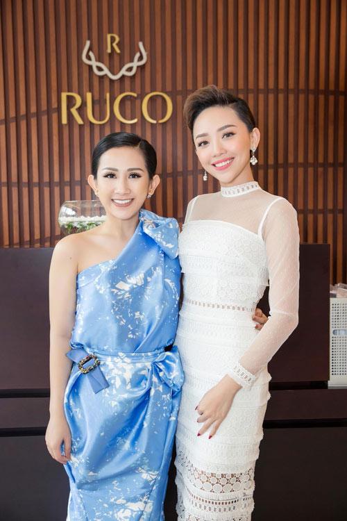 angela phuong trinh rang ro di du tiec tra cua tram nguyen - 3