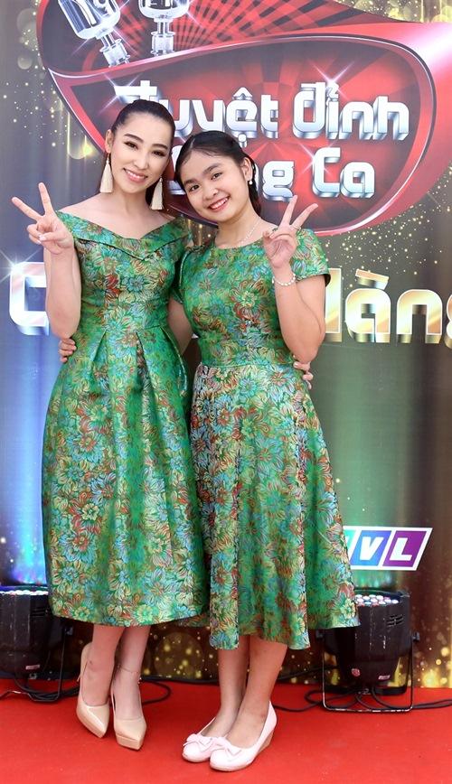 lan dau tien, chong cam ly song hanh cung vo tren ghe nong - 9