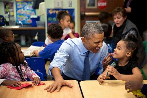 "phan ung ""mot troi mot vuc"" cua tre nho khi gap barack obama va donald trump - 12"