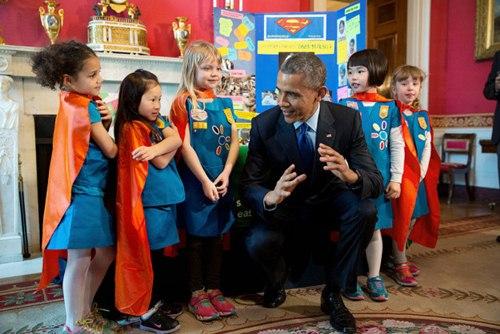 "phan ung ""mot troi mot vuc"" cua tre nho khi gap barack obama va donald trump - 4"