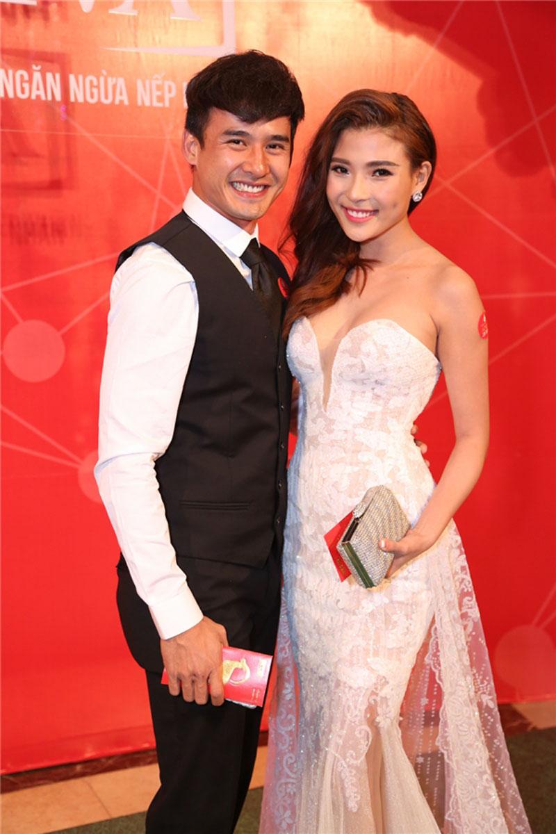 khong can hang hieu, thuy diem - luong the thanh van duoc fan khen nuc no - 11