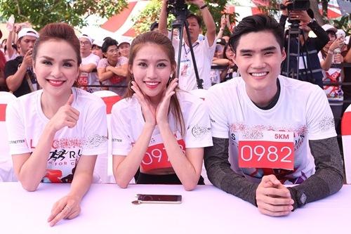 muot mo hoi chay duoi troi nang, pham huong - khanh my - thuy top van cuoi khong ngot - 11
