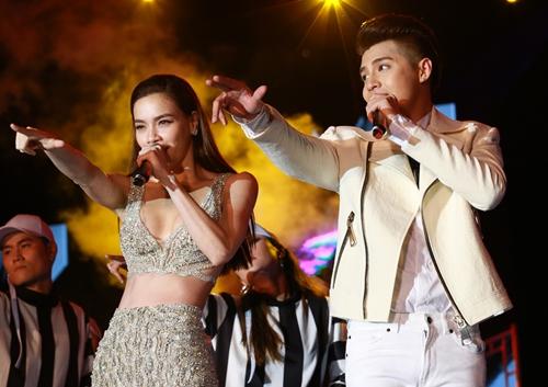 noo phuoc thinh hanh phuc khi co 35.000 khan gia den xem liveshow - 8