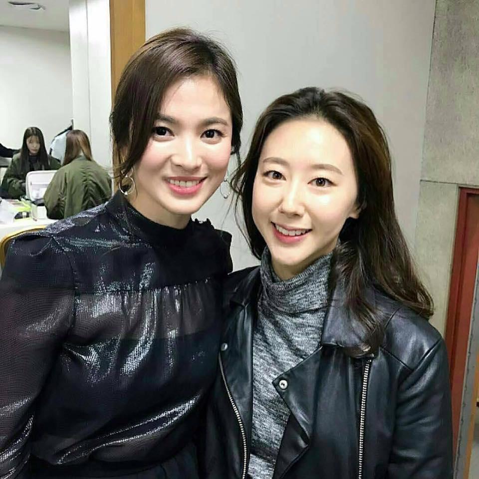 """song hye kyo: """"toi thuong uong soju voi joong ki, uong sam panh voi ah in"""" - 8"""