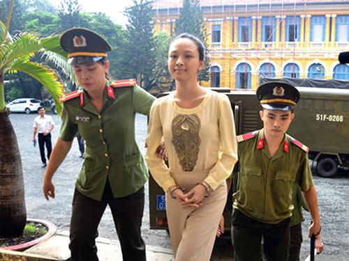 """vu hoa hau phuong nga: ong cao toan my to cao nguoi tung """"hop dong tinh duc"""" - 1"""