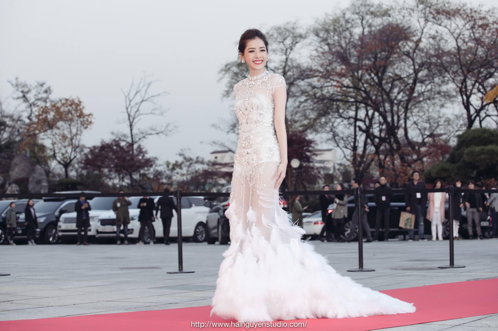 chi pu danh bat dan my nhan xu han tren tham do asia artist awards - 4