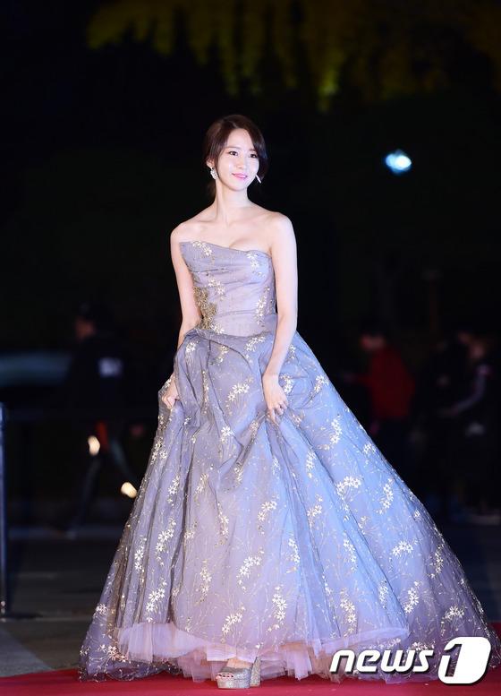 chi pu danh bat dan my nhan xu han tren tham do asia artist awards - 6