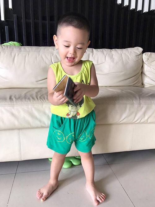 """""""rung tim"""" voi guong mat thien than cua con trai tra my idol - 9"""