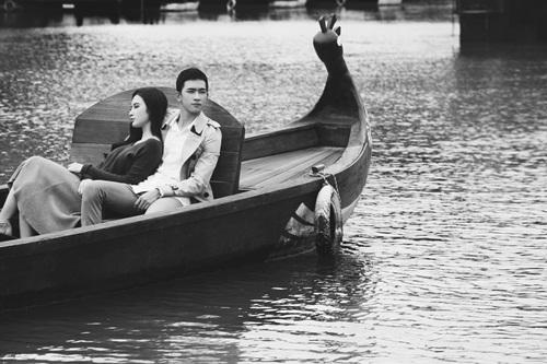 angela phuong trinh cung vo canh dam say, lang man tren thuyen tinh - 9