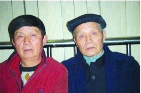"doi lap: canh song khon kho cua nguoi than nhung sao cbiz ""giau nut do do vach"" - 5"