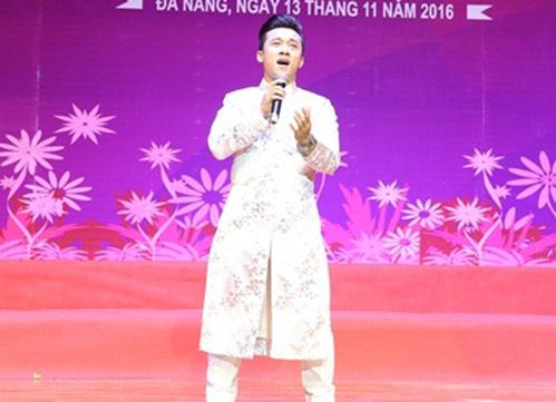 sao mai quang hao hanh phuc khi duoc ve hat o que huong da nang - 2