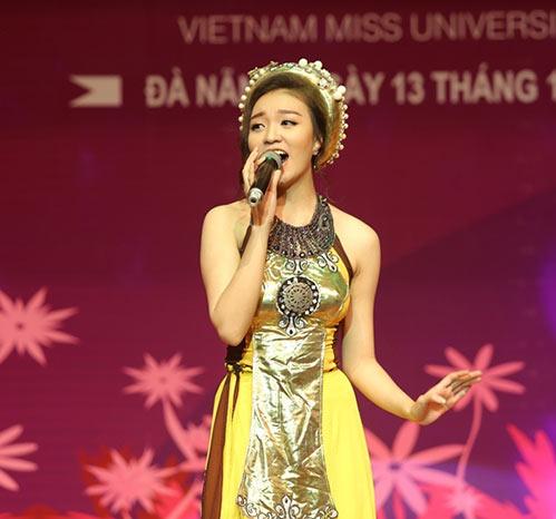 sao mai quang hao hanh phuc khi duoc ve hat o que huong da nang - 8