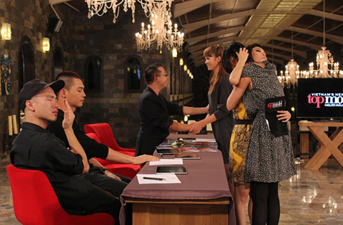"do manh cuong tiet lo loat chuyen ""dong troi"" ve vietnam's next top model - 4"