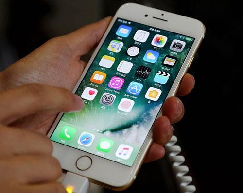 apple khong the san xuat iphone man hinh oled do nha cung cap chua san sang - 1