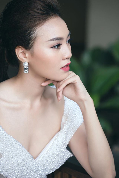 Choáng với dàn mỹ nữ toàn Hoa - Á hậu và chân dài trong phim Việt ngàn tập-11