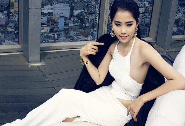Choáng với dàn mỹ nữ toàn Hoa - Á hậu và chân dài trong phim Việt ngàn tập-17