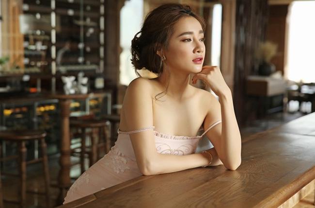 Choáng với dàn mỹ nữ toàn Hoa - Á hậu và chân dài trong phim Việt ngàn tập-7