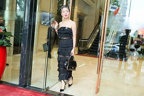 Diva Hồng Nhung, ca sĩ Lệ Quyên xúng xính hàng hiệu đi tập hát-4