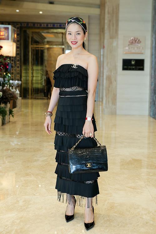 Diva Hồng Nhung, ca sĩ Lệ Quyên xúng xính hàng hiệu đi tập hát-3
