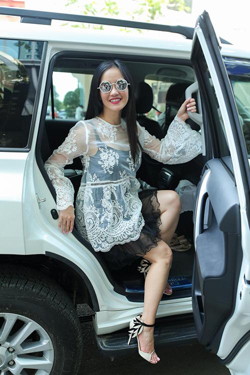 Diva Hồng Nhung, ca sĩ Lệ Quyên xúng xính hàng hiệu đi tập hát-1