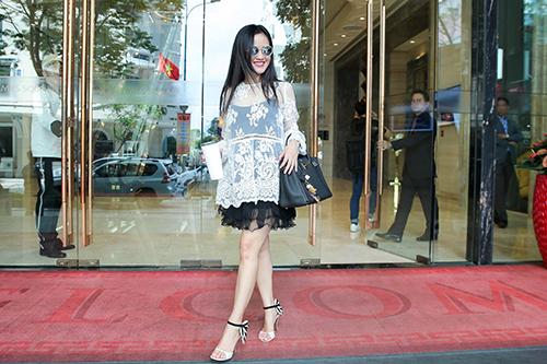 Diva Hồng Nhung, ca sĩ Lệ Quyên xúng xính hàng hiệu đi tập hát-2