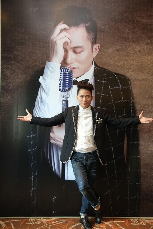 """tung duong """"hen ho"""" ha tran trong live concert cuoi nam - 1"""