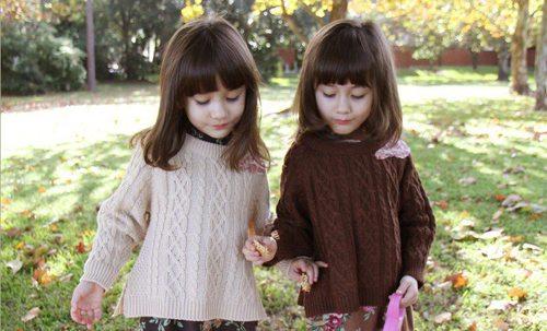"""Ngắm 3 cặp bé gái sinh đôi đẹp như thiên thần từng khiến dân mạng """"chao đảo"""" - 9"""