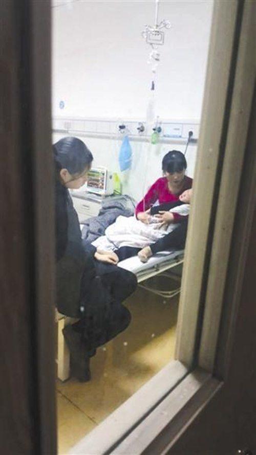 Không ai ngờ sơ suất nhỏ này của người mẹ khiến con trai 3 tuổi nhập viện khẩn cấp-1